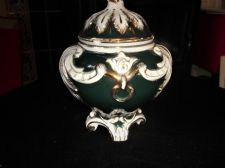 ANTIQUE ORNATE GILDED POT & LID RAISED LEAVES GARLAND DESIGN DEEP GREEN GROUND